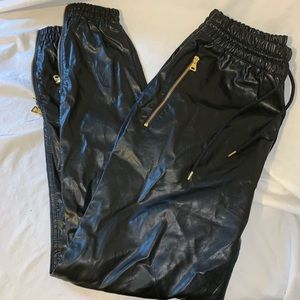 Wto2 gold edition pants women's size medium